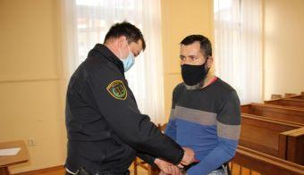 Prosil je, da ga premestijo iz pripora v zapor. FOTO: Tanja Jakše Gazvoda
