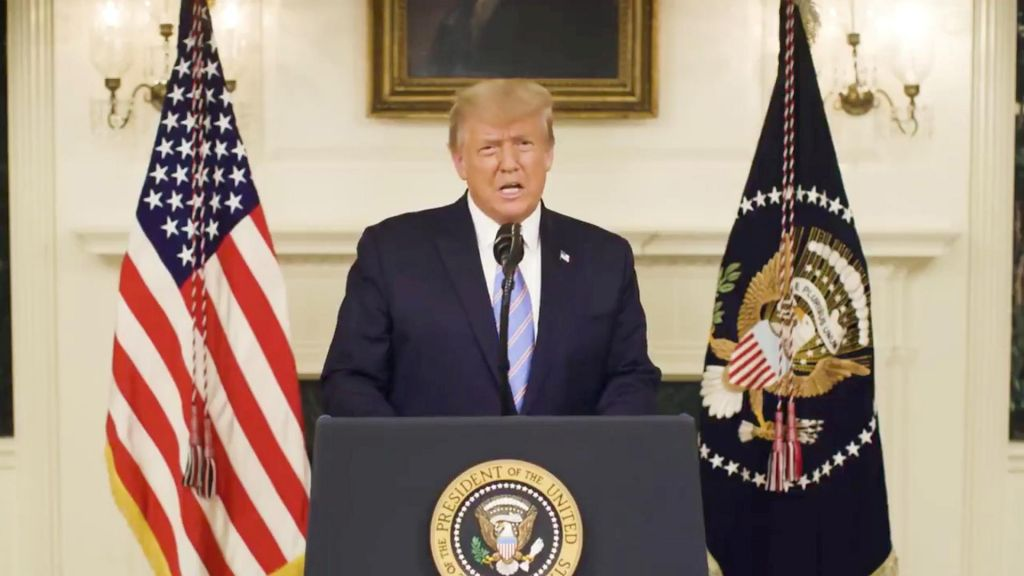 Trumpa želijo takoj nagnati iz Bele hiše