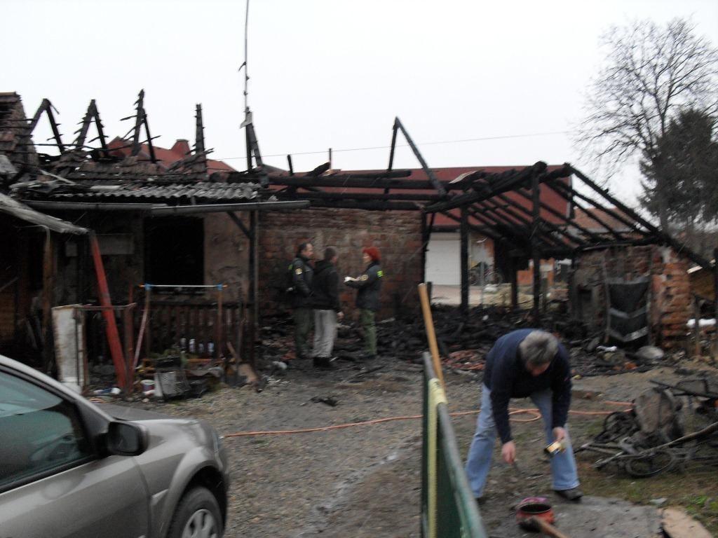 Štiričlanska družina brez strehe nad glavo