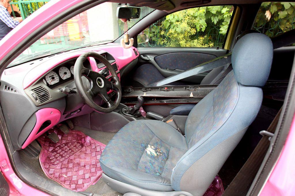 Materi slepe hčerke prodala okvarjen avto
