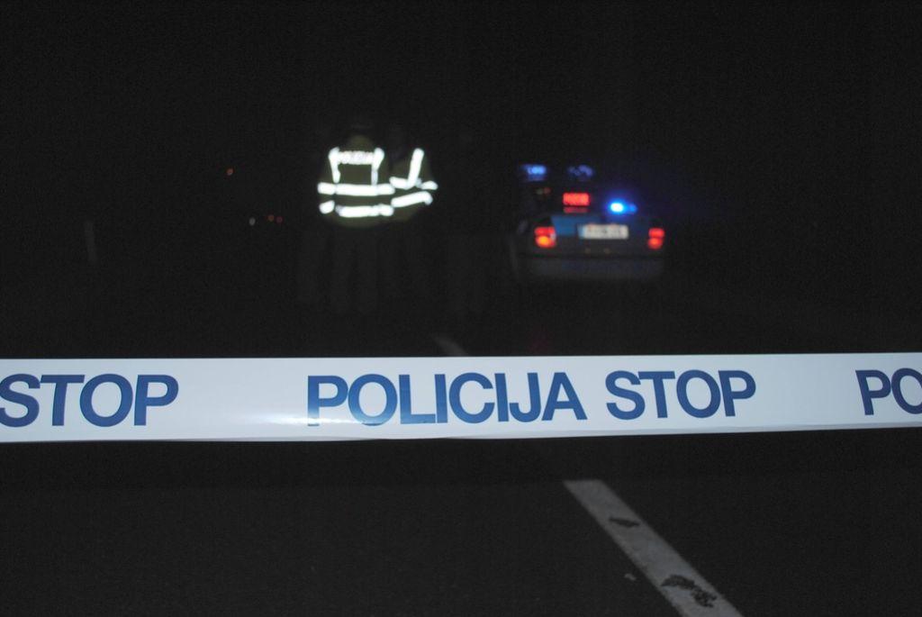 Smrt na cesti: 50-letnik ležal na cesti