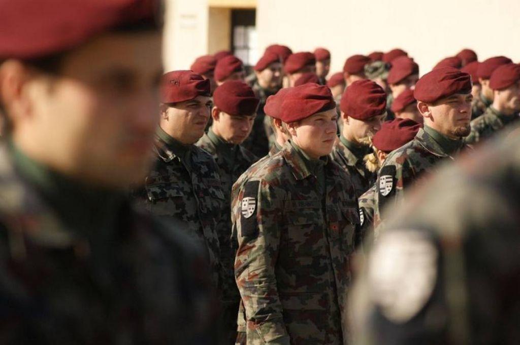 Sindikat vojakov zmagal: država mora izplačati lanski regres
